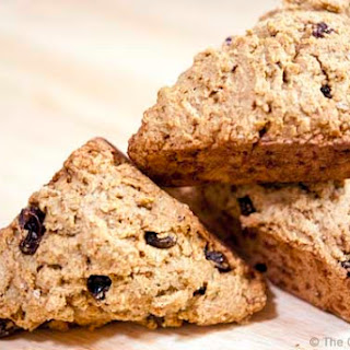 Clean Eating Cinnamon Raisin Mini Scones