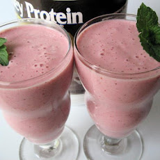 Strawberry Yogurt Milkshake Smoothie