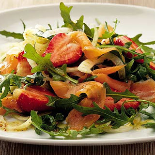 Salmon, Strawberry & Fennel Salad