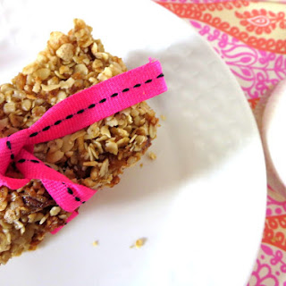 Crunchy Chocolate Chip and Coconut Granola Bars
