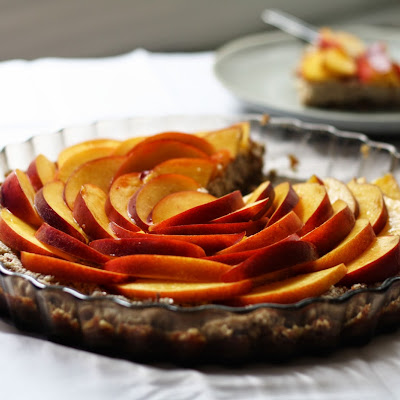 RAW NECTARINE SUMMER TART