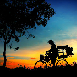 mlipir pinggir by Wartono Kumpulono - Transportation Bicycles