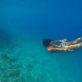 blue dive by Marc-Antoine Kikano - Sports & Fitness Swimming ( girl, underwater, blue, swim, reflections, swimming )