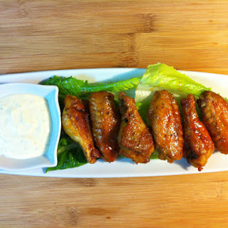 Buffalo Chicken Wings with Cesar Dip