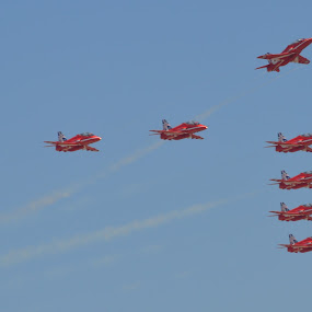 Red one.........Go by James Booth - Transportation Airplanes (  )