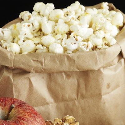 Sweet and Spicy Popcorn Mix