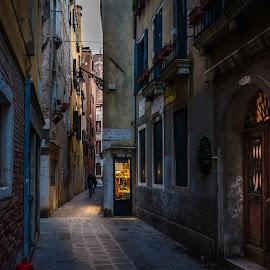 Bona sera by Murat Besbudak - City,  Street & Park  Street Scenes ( venezia, italia )