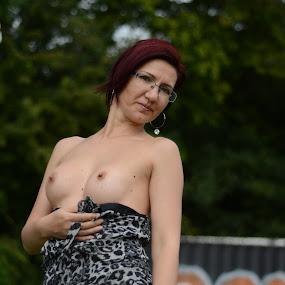 irina by Eugen Constantinescu - Nudes & Boudoir Boudoir ( body, glasses, hands, three, tits )