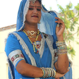 Rajasthani women, Chokhi Dhani by Nanthan Siva - People Body Art/Tattoos