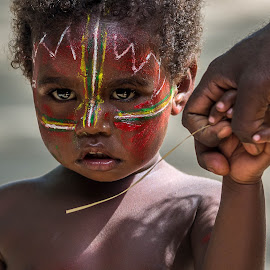 A father with his son by Jose Rojas - Babies & Children Child Portraits ( aborigen, vanuatu aborigen, boy, painted face, culture, Travel, People, Lifestyle, Culture )
