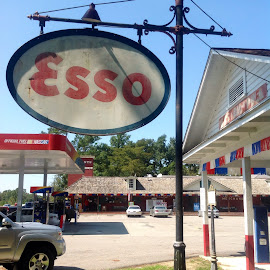 Esso sign by Terry Linton - Novices Only Street & Candid