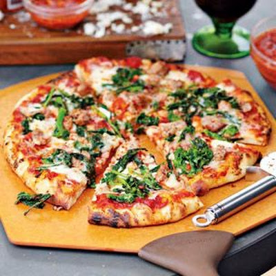 Salsiccia Pizza with Broccoli Rabe