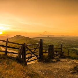 Mam Tor Sunrise by Laura Kenny - Landscapes Sunsets & Sunrises ( countryside, hills, england, mam tor, sunrise, peak district )