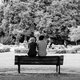 Bench for two by Duncan Riggall - People Street & Candids