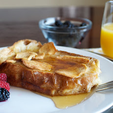 Overnight Apple-cinnamon French Toast