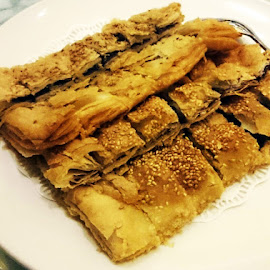 Delicious Crispy Chinese Pan Cake by Alan Chew - Food & Drink Cooking & Baking