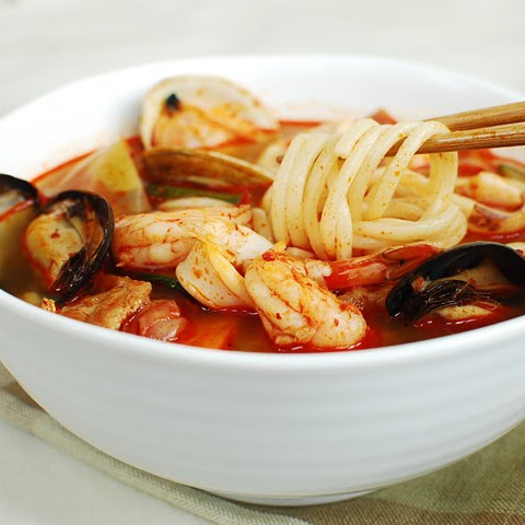 Jjambbong (Korean-Chinese Spicy Noodle Soup)