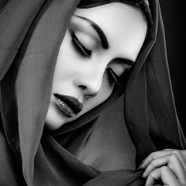 Beauty Selo by Boim Wahyudi - People Portraits of Women ( woment, fashion, bw, hijab, portrait, woman, b&w, person )