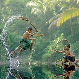 by Saiful El-Shyrazy - Babies & Children Children Candids ( kids playing in summer )