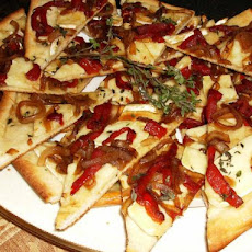 Alouette Baby Brie Caramelized Pepper & Onion Pizza