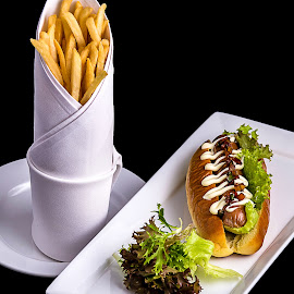 Beef Hot Dog by Lefri Kristianto - Food & Drink Plated Food