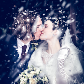 Winter Wedding by Paul Eyre - Wedding Bride & Groom