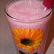 Pineapple and Raspberry Smoothie