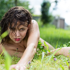 green grass by Jens Fischer - Nudes & Boudoir Boudoir ( girl, nude, lying, grass )