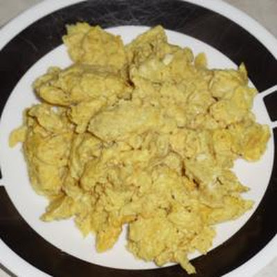 Curry Cheddar Scrambled Eggs