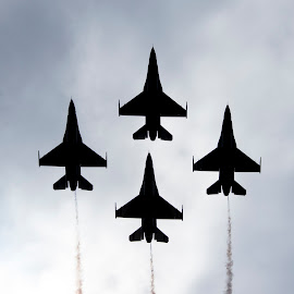 Four of a Kind by Ty Stockton - News & Events Entertainment ( f-16, jets, usaf, air show, thunderbirds )