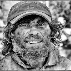 Always a reason to smile by Leidolv Magelssen - People Portraits of Men ( blackandwhite, streetportrait, black and white, bnw, portrait, street photography )