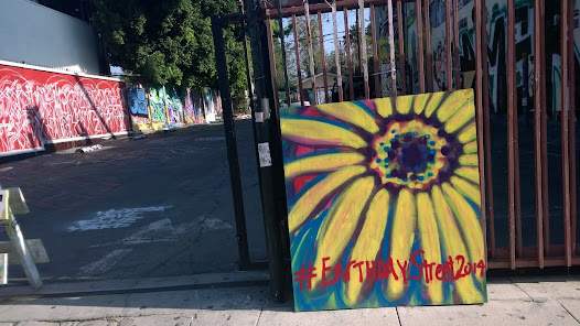 On Sunday, April 20th, in celebration of Earthday 2014, street artists, at three different locations in Los Angeles, made earth inspired art for the community to enjoy.