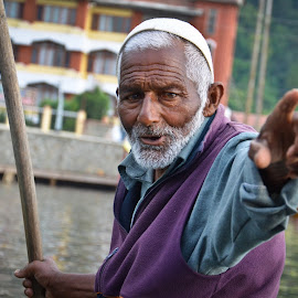 GO AWAY... by Raj Mohite - People Street & Candids ( away, houseboat, lake, old man, man with stick, go )