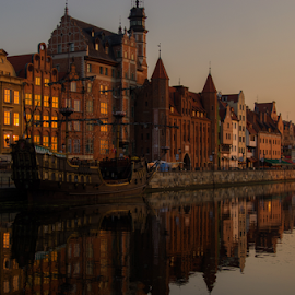 by Aneta Helwich - Buildings & Architecture Public & Historical ( water, ship, old town, danzig, cityscape, sunrise, morning, memory, sun, river, city,  )