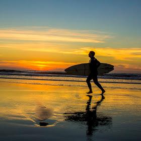 surfing  sunset ob .jpg