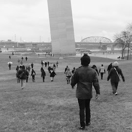 Shut it down! St. Louis Police brutality protesters head to Gateway Arch, resulting in its closure by George Lenard - News & Events Politics