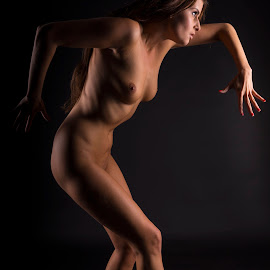 Lowkey with two lights by Thomas ST0LL - Nudes & Boudoir Artistic Nude