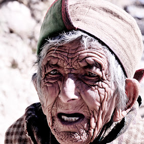 Wrinkles! by Rahul Aryan Roy - People Street & Candids