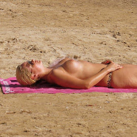 by Steve Tharp - Nudes & Boudoir Artistic Nude
