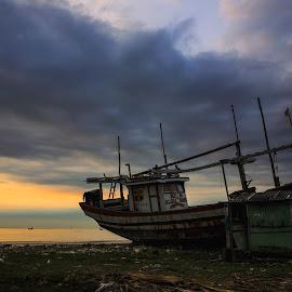 Hard Cloudy at Dadap Beach by I Ketut  Sadia - Transportation Boats ( boats, cloud, beach, sunrise, landscape )