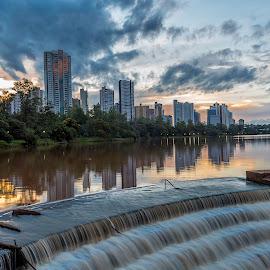 cascata by Tony Saad - Buildings & Architecture Office Buildings & Hotels ( londrina, sunset, lake, sunrise, brasil )