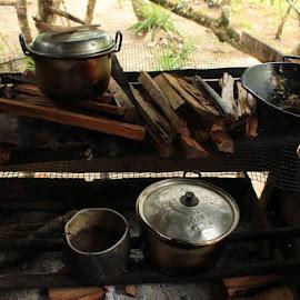 dapur sang nenek, isinya.....makanan untuk doggy by Christini Lo - Food & Drink Cooking & Baking
