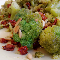 Broccoli With Sun-Dried Tomatoes and Roasted Garlic