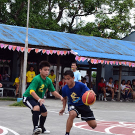 1 v 1 by Alec Lacuesta - Novices Only Sports ( basketball, ball, skill, 1on1, blue vs green )