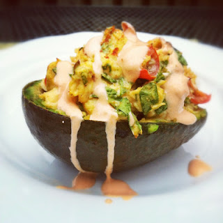 Spicy Chicken, Spinach & Tomato Stuffed Avocado with a Sriracha-Greek Yogurt Sauce