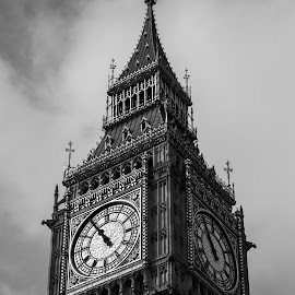 Ben's beauty by Chezwa Hobson - Buildings & Architecture Public & Historical ( history, timepiece, clock tower, clock, buildings, architecture, object )
