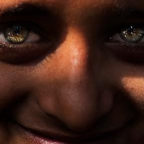Eyes by ডাঃ মুহাম্মদ হাসান - Babies & Children Child Portraits ( bangladesh, people, portrait, eyes, dhaka )