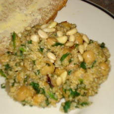 Quinoa With Chickpeas and Spinach