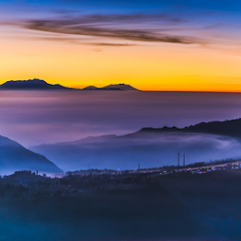 Bromo sunrise by Krissanapong Wongsawarng - Landscapes Travel ( colourful, nature, indonesia, sunrise, bromo )