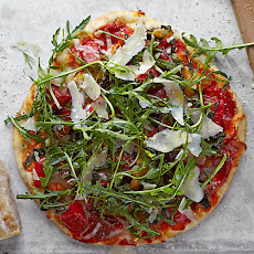 Heirloom Tomato and Arugula Pizza
